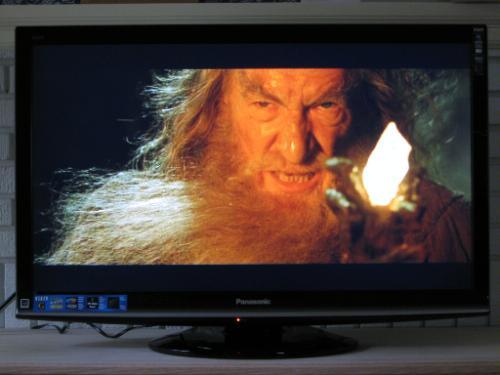 panasonic-viera-g1-series-tc-l37g1-37-inch-lcd-tv-movies-lord-of-the-rings